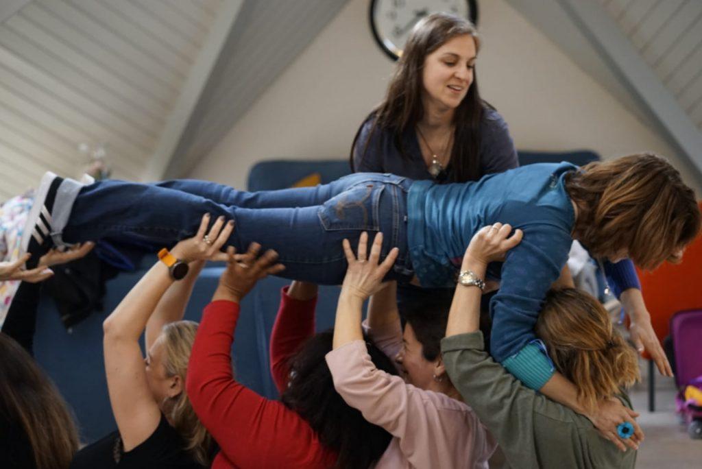 yoga dur rire exercice lacher prise