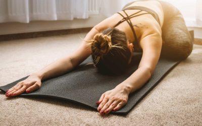 Entre sophrologie et Yoga : une séance de Yin Yoga pour ralentir [Défi anti-stress 5]