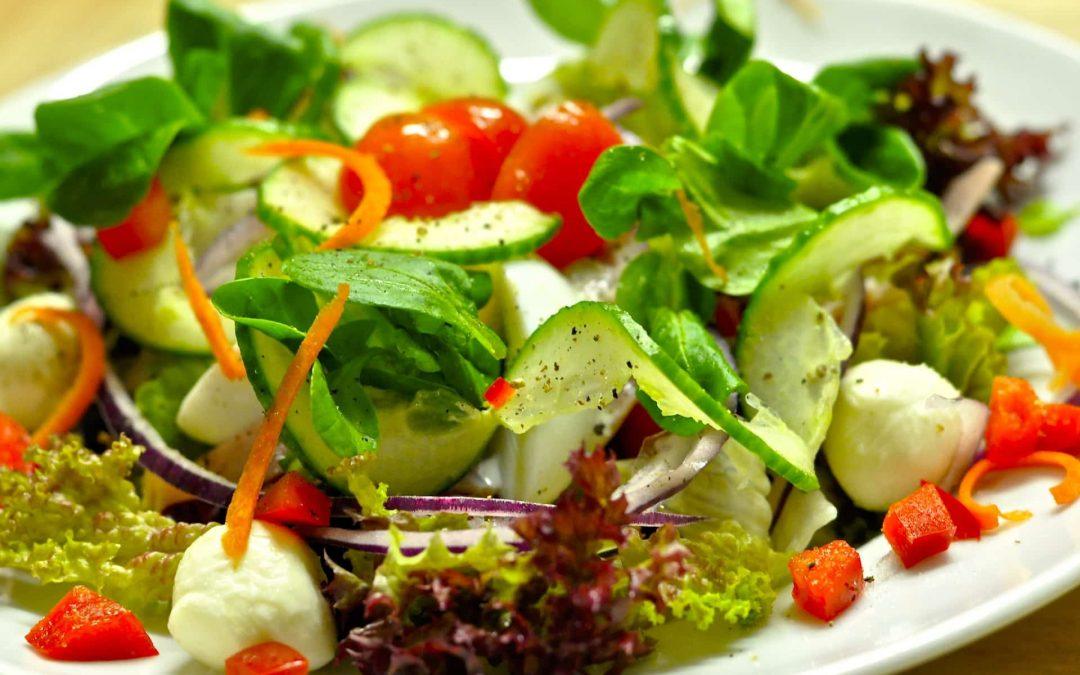 Les 5 pièges à éviter pour votre salade-repas 🍉