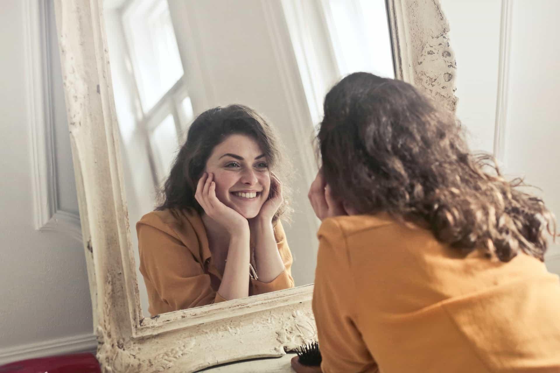 Amour de soi : exercice du miroir